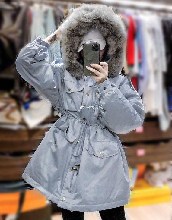 【三色可选】工装中长款棉布面料狐狸毛领羽绒服(不退换)