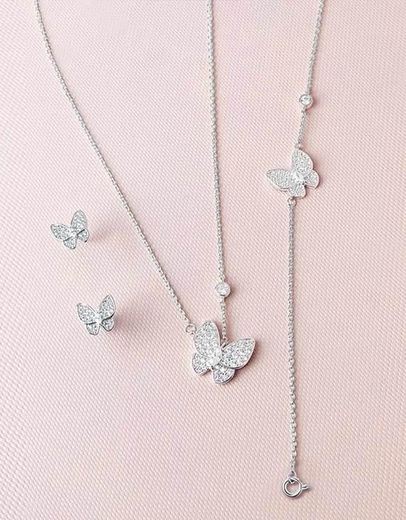 【六款可选】英国HIK珠宝饰品 项链+耳环+手链三件套礼盒装(不退换)